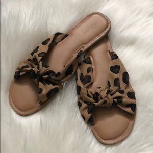 Old Navy Leopard Knot Sandals